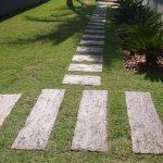 Passeio com Linha Arvoredo PisoMix Pisos - Dormente Cimenticio com a textura da madeira - Instalação rápida e prática, sem a necessidade de contrapiso.